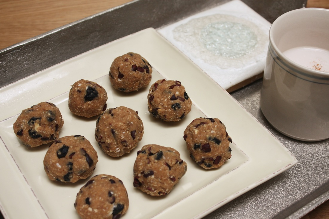 Luna Cookies: A Healthy, One-handed Snack for Parents of Newborns – Courtesy of One Moon Doula Services